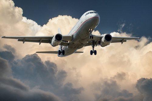 jet-cloud-landing-aircraft-46148